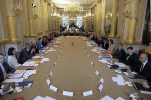 Les décisions se prennent en petit comité- Conseil des ministres