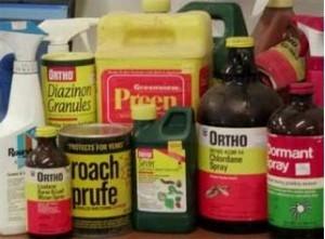 Divers pesticides employés dans l'agriculture.